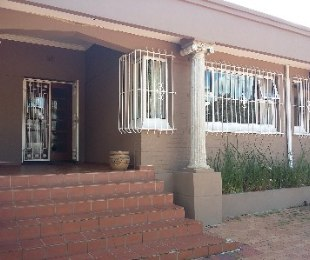 R 2,980,000 - 4 Bed House For Sale in Observatory