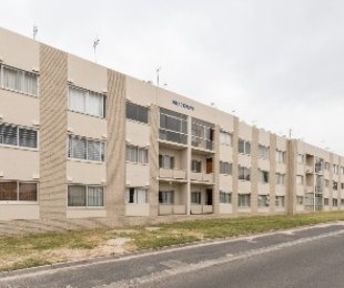 R 655,000 - 1 Bed Flat For Sale in Bracken Heights