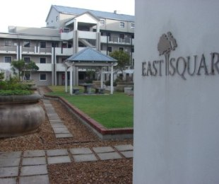R 1,825,000 - 1 Bed Apartment For Sale in Rondebosch