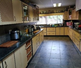 R 2,700,000 - 4 Bed House For Sale in Florauna