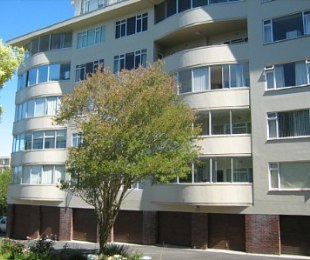 R 2,550,000 - 3 Bed Apartment For Sale in Kenilworth Upper