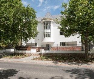 R 4,200,000 - 1 Bed Flat For Sale in Stellenbosch Central
