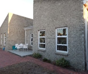 R 2,395,000 - 4 Bed Property For Sale in Table View