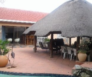 R 1,600,000 - 3 Bed House For Sale in Highway Gardens