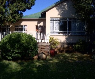 R 1,500,000 - 4 Bed House For Sale in Kensington