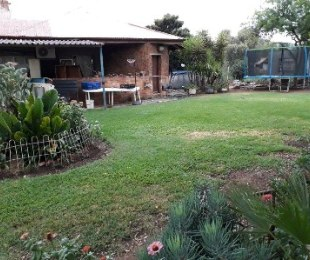 R 2,300,000 - 8 Bed Farm For Sale in Kameelfontein