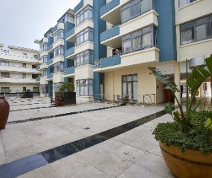 R 1,680,000 - 1 Bed Flat For Sale in Muizenberg