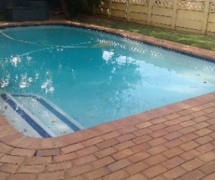 R 1,350,000 - 3 Bed Property For Sale in Symhurst