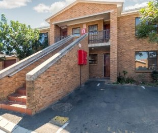 R 775,000 - 2 Bed Flat For Sale in Kraaifontein