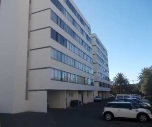 R 995,000 - 1 Bed Flat For Sale in Claremont