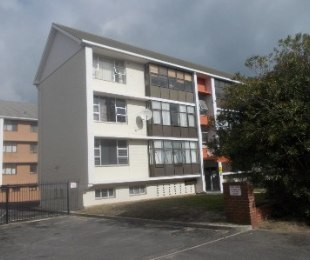 R 1,100,000 - 2 Bed Flat For Sale in Milnerton