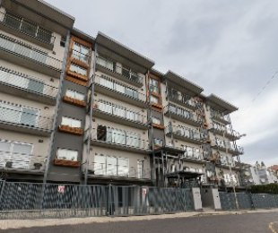 R 2,950,000 - 1 Bed Apartment For Sale in Green Point