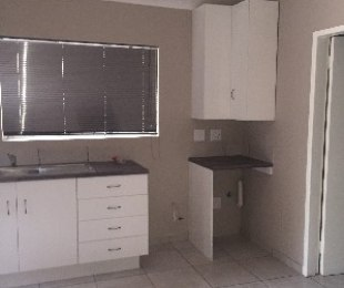 R 5,300 - 1 Bed Flat To Rent in Blairgowrie