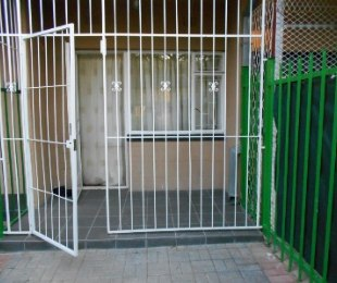 R 220,000 - 1 Bed Flat For Sale in Bedelia