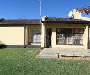 R 680,000 - 3 Bed Home For Sale in Flamingo Park