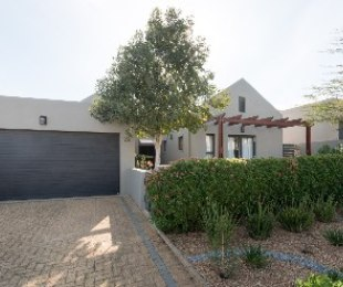 R 3,150,000 - 3 Bed Home For Sale in Croydon