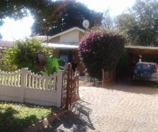 R 700,000 - 2 Bed House For Sale in Klopperpark