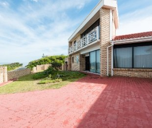 R 3,975,000 - 6 Bed House For Sale in Wilderness
