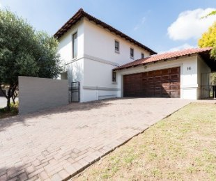 R 2,300,000 - 3 Bed Home For Sale in Broadacres