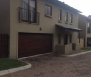 R 15,000 - 3 Bed Property To Rent in Carlswald North
