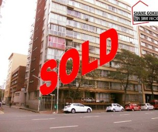 R 495,000 - 1.5 Bed Flat For Sale in Durban Central