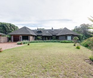 R 2,750,000 - 5 Bed Guest House For Sale in Wilderness