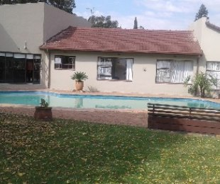 R 2,550,000 - 3 Bed House For Sale in Eastleigh