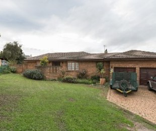 R 2,750,000 - 3 Bed House For Sale in Aurora