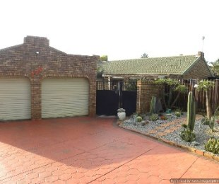 R 1,100,000 - 3 Bed Property For Sale in Doornpoort
