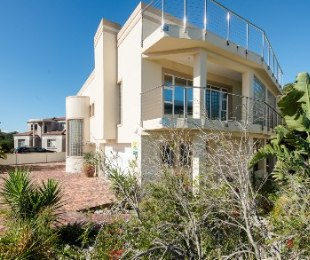 R 3,350,000 - 6 Bed House For Sale in Cola Beach