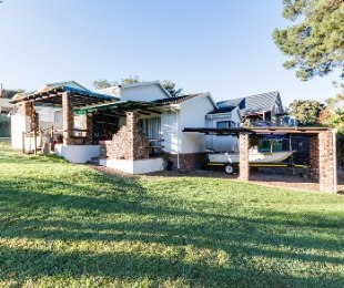 R 1,350,000 - 2 Bed Property For Sale in Denneoord