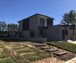 R 1,990,000 - 3 Bed House For Sale in Langeberg Heights