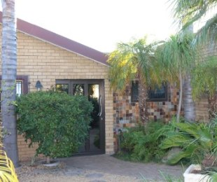 R 2,395,000 - 3 Bed Property For Sale in Sonstraal Heights