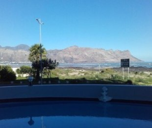 R 4,500 - 1 Bed Flat To Rent in Strand North