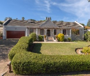 R 3,395,000 - 5 Bed House For Sale in Kenridge Heights