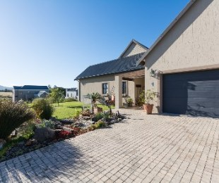 R 3,520,000 - 3 Bed Home For Sale in Kraaibosch