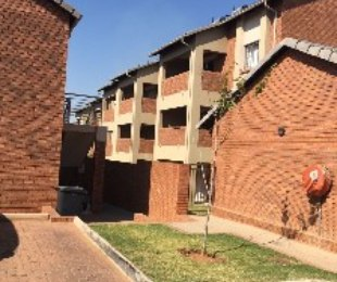R 1,179,000 - 3 Bed Flat For Sale in Noordwyk