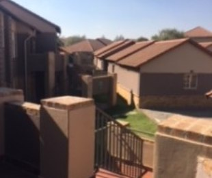R 8,000 - 3 Bed Property To Rent in Noordwyk