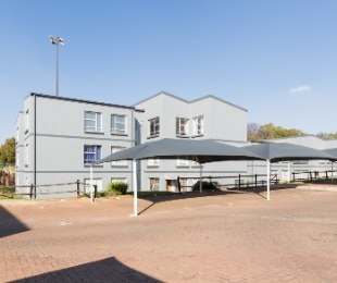 R 750,000 - 3 Bed Apartment For Sale in Westdene