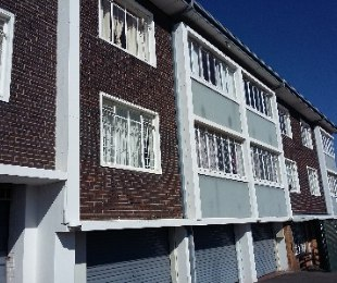 R 720,000 - 1.5 Bed Flat For Sale in Reynolds View