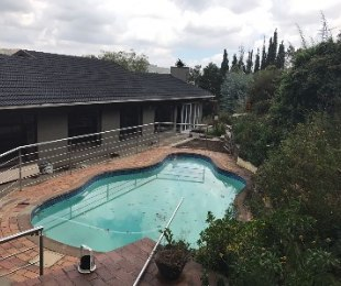 R 1,600,000 - 4 Bed Property For Sale in Mondeor