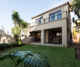 R 2,250,000 - 3 Bed House For Sale in Fourways