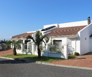 R 7,500,000 - 11 Bed Home For Sale in Loevenstein