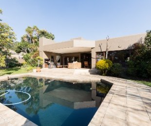 R 4,900,000 - 4 Bed Property For Sale in Lonehill