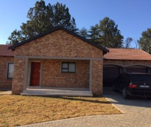 R 1,390,000 - 3 Bed Property For Sale in Kookrus