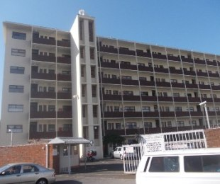 R 1,195,000 - 2 Bed Flat For Sale in Claremont