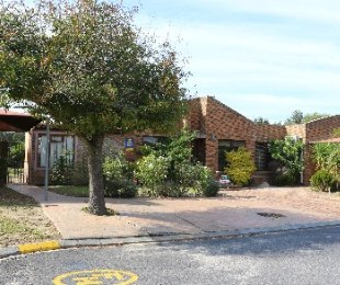 R 2,295,000 - 4 Bed House For Sale in Goedemoed