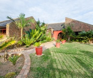 R 1,870,000 - 3 Bed House For Sale in Fraaiuitsig