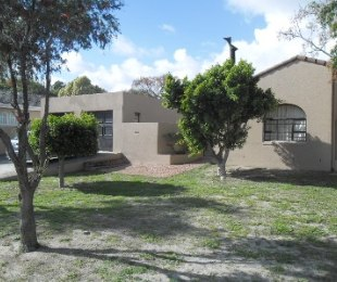R 1,980,000 - 3 Bed Home For Sale in Table View