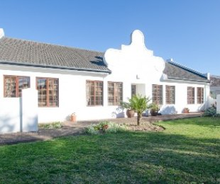 R 2,395,000 - 3 Bed Home For Sale in Heather Park